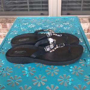 Grandco Beaded Jeweled Flipflop Sandals Sz 11
